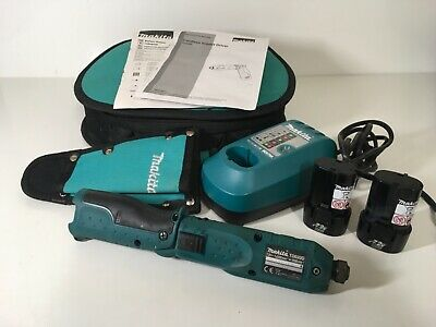 Makita TD020D Pencil Drill 7.2V in carry case Used with 2 battery and charger