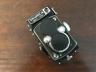 Yashica Mat-124 120 Medium Format TLR with Case (Please Read Description)
