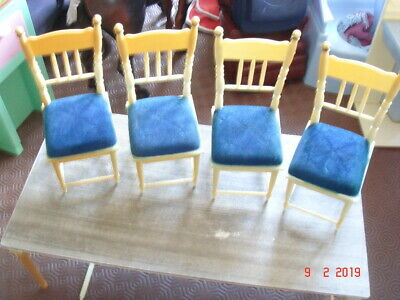 Sindy Table And Chairs 70S Tlc