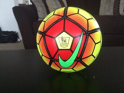 20 authentic handmade in Pakistan  Barclay premier league soccer balls size 5