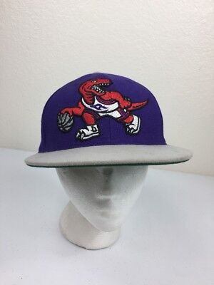 Vtg Toronto Raptors NBA Mitchell   Ness Wool Fitted 7 1 8 Hat Cap Purple cc383e4ab17c
