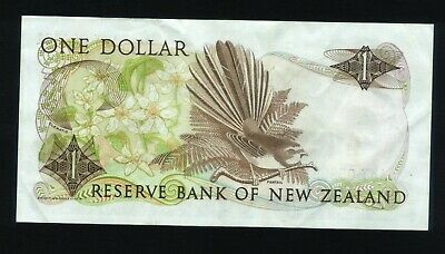 New Zealand $1 Bank note Russell 1985-89 Clean AKY 056081