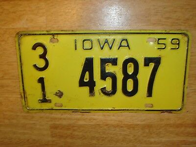 Vintage 1959 Embossed Iowa License Plate 31  4587 - Old Original
