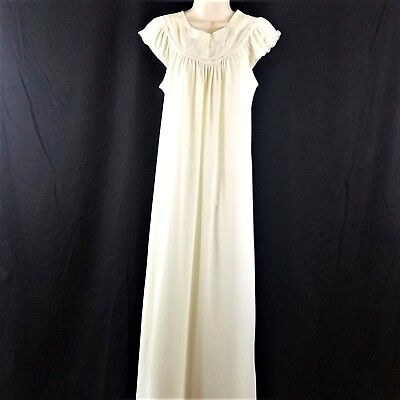 0f80ca22ab Vintage JC Penney Size Small Embroidered Yoke Tricot Nylon Mint Green Night  Gown