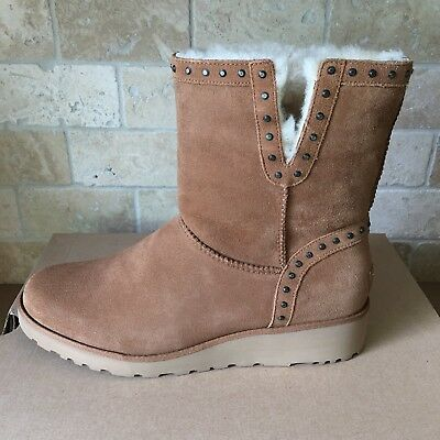 3aab71fb8a2 UGG CYD CLASSIC Slim Chestnut Stud Suede Wedge Short Boots Size Us ...