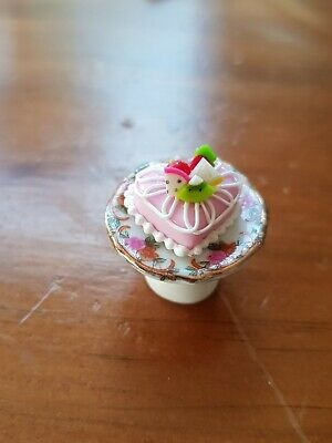 Miniature Dolls House Accessories Ceramic Cake Stands blue & Pink flowers:1:12th