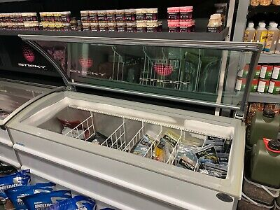 Novum Commercial Chest Freezer Glass Top Curved Lid 601 Litre. 1 of 2