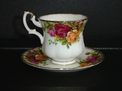 Royal Albert  Old Country Roses - Tea Cup / Saucer