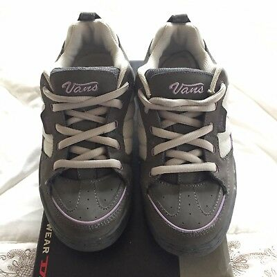 08100c2dec VANS GREY LEATHER Trainers Size UK 7 (EU 40 US 9) RRP £69 - EUR 22 ...