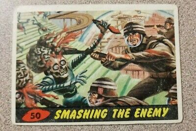 1962 Topps Mars Attack Smashing the Enemy Card #50