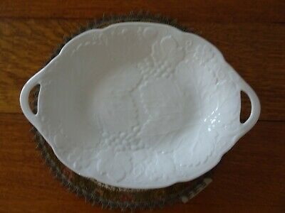 Wedgwood Strawberry and Vine China Oval Open Handle Serving Platter