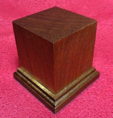 BASETTA BASE IN LEGNO MOGANO PER FIGURINI - PLINTH DISPLAY WOOD BASE 5x5 h6
