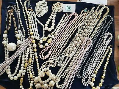 JOB LOT OF VINTAGE FAUX PEARL JEWELLERY NECKLACES  costume jewellery