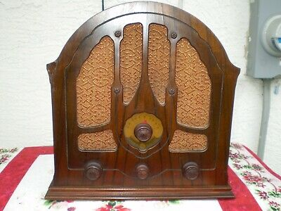 General Electric K-43 Gothic Mini Cathedral RadioVintage 1933