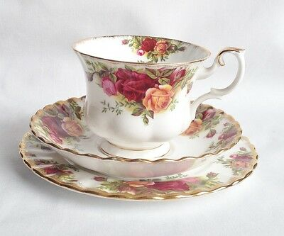 Royal Albert Old Country Roses Trio - Tea Cup and Saucer and Tea Plate