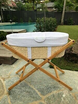 Born With Style Moses Basket and Stand