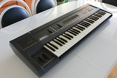 ENSONIQ ESQ1 Synthesizer/Sequencer