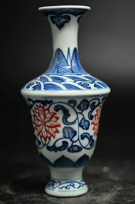 Exquisite CHINESE Old BLUE AND WHITE PORCELAIN RED FLOWER VASE YRT