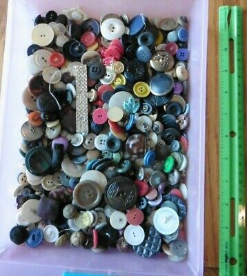 Button Lot of Vintage Buttons plastic Bakelite wood shell metal mixed colors