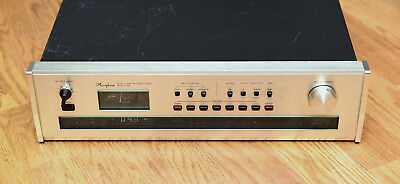 Accuphase T-105 Stereo Tuner W/manual, power cable Tested Works Great