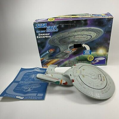 Star Trek The Next Generation Starship Enterprise NCC-1701-D Playmates 1992