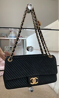 0a93a357324acf BLACK CHANEL CHEVRON Flap Bag - $3,200.00 | PicClick