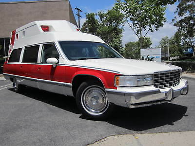 1993 Cadillac Fleetwood -- 1993 Cadillac Fleetwood AMBULANCE HEARSE 224 MILES IN SO CAL