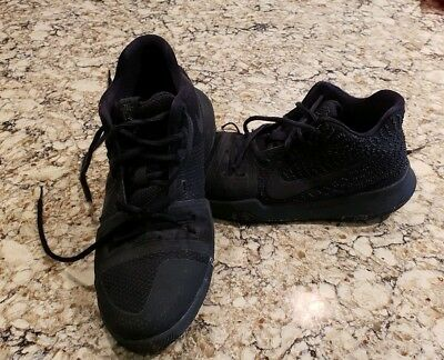 b318bcb915f3 NIKE Zoom KYRIE 3 Black Marble Outsole Basketball Shoes 852395-005 Size 7  Youth