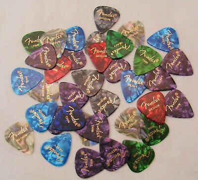 Fender 351 Premium Celluloid Guitar Picks 24 Variety Pack (Thin, Med and Heavy)