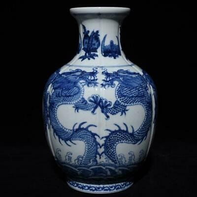 Chinese Exquisite Handmade Dragon Blue and white porcelain vase