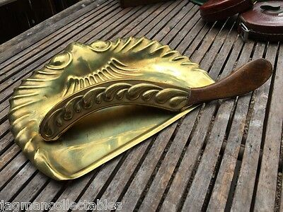 Lovely Antique English Art Nouveau Solid Brass Crumb Brush & Pan Oak Handle