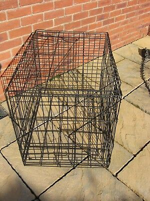 Dog crate / cage 21 1/2 inches wide, 30 inches long and 24 inches high