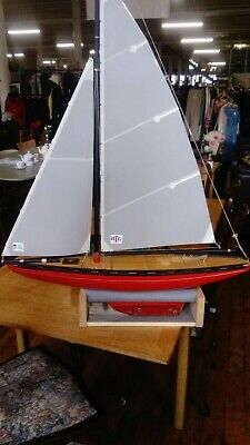 VINTAGE BLUE STAR POND YACHT, SY1 MODEL, stand and