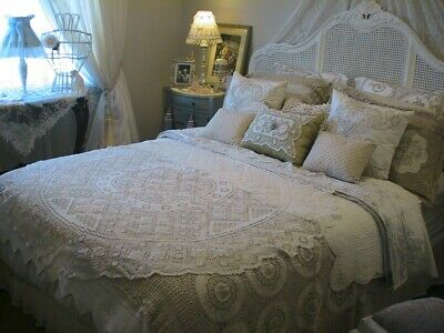 Stunning White Vintage Filet Lace Round Tablecloth Bed Throw Dvine Detail 155Cms