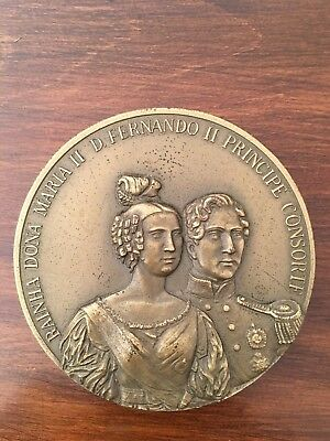 Beautiful and rare antique bronze medal