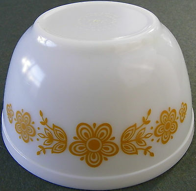 Vintage Pyrex Butterfly Gold 1 1/2 Quart #402 Mixing Nesting Bowl Ovenware