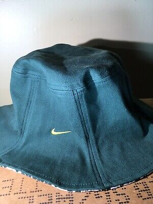 5bf364ab520 Nike Womans Oregon Ducks bucket hat Used And In Amazing Condition.