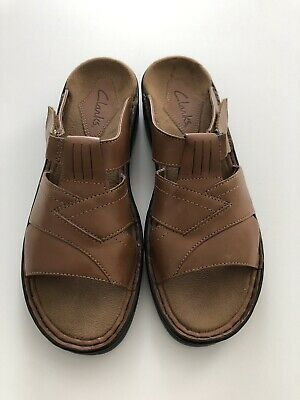 46cb60a0f1cd6 Clarks Women's Leather Slide On Brown Sandals Size 8N Summer Open Toe Shoes