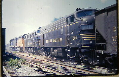 RR TRAIN SLIDE CSX WM Western Maryland F-7-A #240 Baltimore MD 1976 CB25
