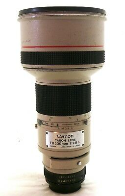 Canon 300mm f/2.8 FD lens with case EXC-