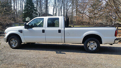 2008 Ford F-250 XL 2008 White F-250 Diesel 2WD Crew Cab Long Bed Pickup Truck