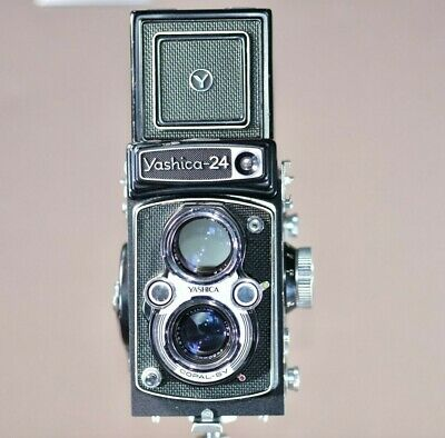 Yashica 24 roll film TLR camera with Yashinon 80mm f3.5 lens + case