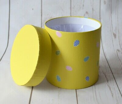 Easter Flower Box Round 13.5cm X 13.5cm displays flowers spring