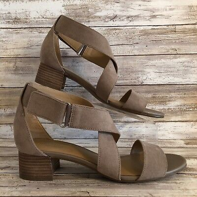 94def9b8659 Naturalizer Strappy Sandal 9.5M Adele Tan Hook   Loop Strap Block Heel
