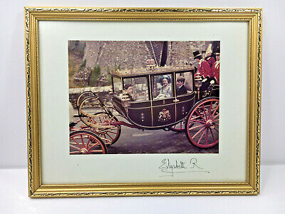 Original Photograph Signed On The Mount Queen Mother Elizabeth Coach & Horse