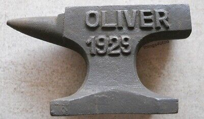 Oliver Tractor Cast Iron Anvil Paperweight Salesman Jewelry Blacksmith #E156
