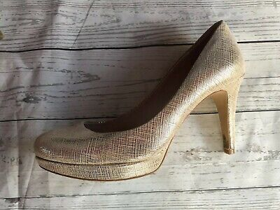 2175a5a8ac0 VINCE CAMUTO MADELYN Leather Gold Studded Platform High Heel Size 8 ...