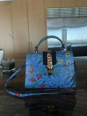 a7f46be2ea1 RARE AUTHENTIC GUCCI Floral Print Silk Scarf Vintage 70s V ...