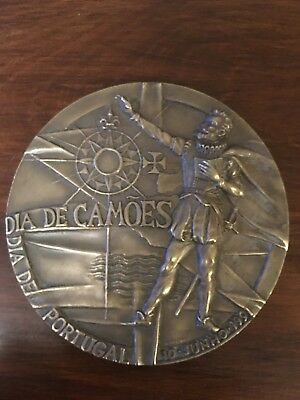 Beautiful and rare antique bronze medal of the day of Portugal and Camões 1991