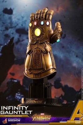 Hot Toy Marvel Avengers Infinity War Infinity Gauntlet Quarter Scale Collectible